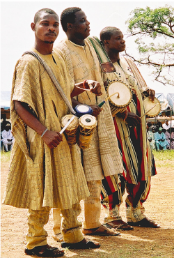 traditional nigerian drummers